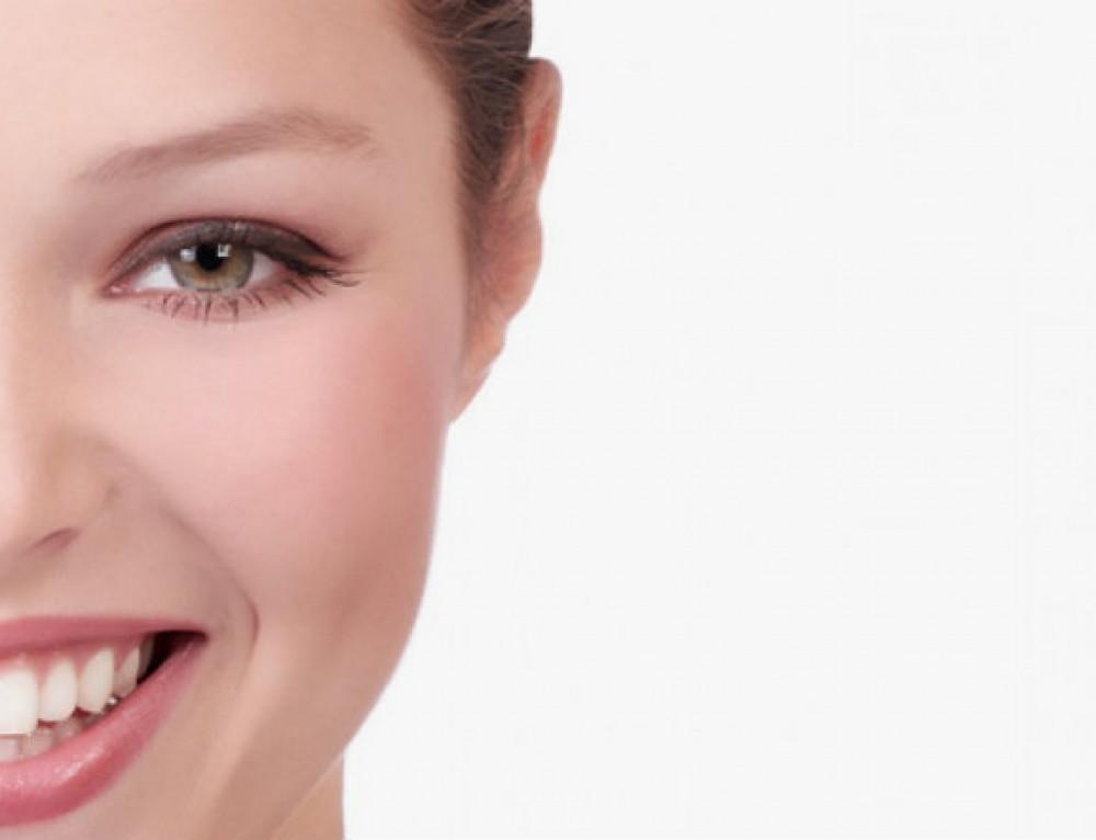 Propósitos año nuevo con sonrisa saludable