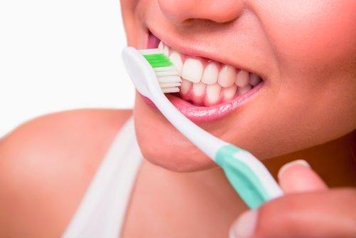 Tratamiento de higiene dental en malaga