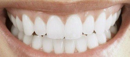 Cómo se fabrican los dientes de porcelana