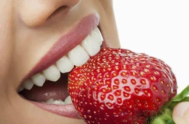 Que son y por qué aparecen las manchas negras dentales