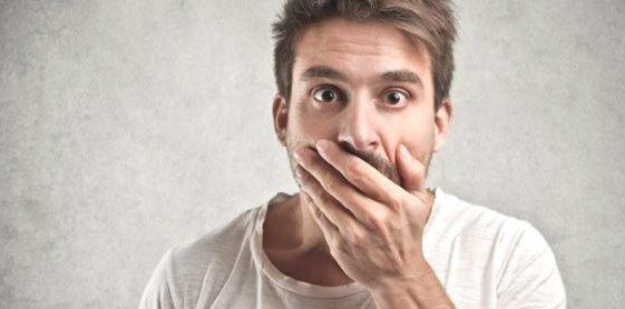 Rechazo a los implantes dentales por enfermedades bucales